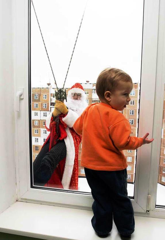 Дед Мороз на дом: как именно готовить малыша ко встрече с волшебником?